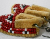Moccasin Earrings with Triangle pattern