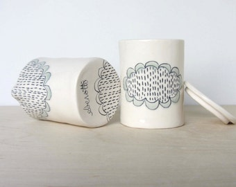 Doily Patterned Ceramic Cream and Sugar Set