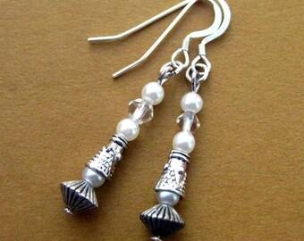 Silver Pearl Earrings. 1920s style, Downton Inspired Earrings. Cora