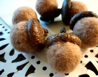 Needle Felted Acorns - Set of Six - Fall Home Decor - Autumn Decoration - Wool Felt Acorn Decor - Halloween or Thanksgiving Ornament