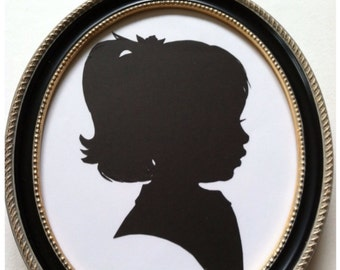 8x10 Black with Beaded Edge Oval Wood Frame for Silhouettes