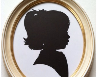 8x10 Antiqued Ivory Oval Wood Frame for Silhouettes