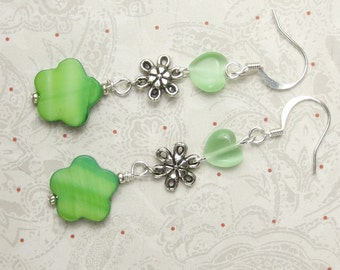 Green Heart and green daisy dangle earrings, mother of pearl shell, green cats eye heart holidays holiday earrings silver plated daisy charm
