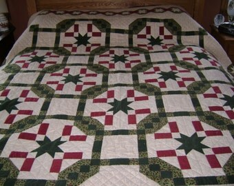 Quilter's Journey White Green and Red Flannel Queen Sized Quilt