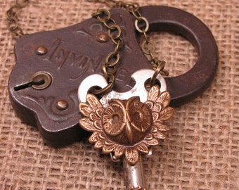 Skeleton Key Jewelry - Fall Necklace - Owl Head Antique Skate Key Pendant - Antique Brass - Halloween