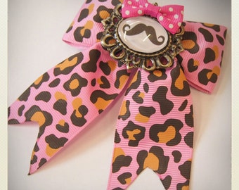 Pin Up-style mustache Hair clip, pink animal print
