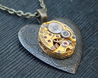 Heart Necklace - Steampunk Valentines Jewelry - GOLD Watch Movement - Victorian Brass - Clockworks Necklace