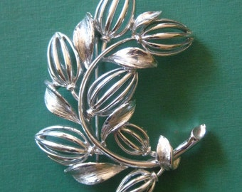 Signed Lisner Vintage Buds & Leaves Nature Inspired Pin Brooch