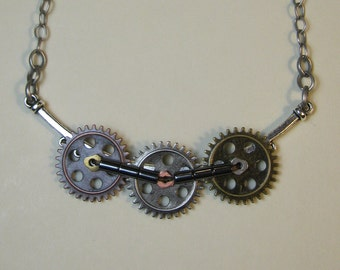 Like Clockwork - Movable, Interlocking Gears - Steampunk Necklace