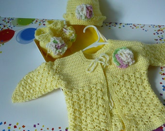 Crocheted Baby Shells Sweater Hat and Booties in Yellow           Size Newborn to 6 months                   READY TO SHIP
