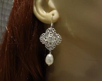 Bridal Earrings Bridesmaid gift Bridesmaid Earrings Swarovski Crystal and Pearls drop dangle Earrings, Debora, E017