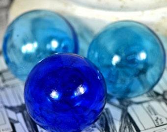 GORGEOUS hollow blue bubble...  home decor...  collectibles...      t13  Laf