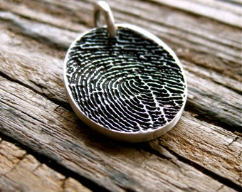 Oval Pendant in Sterling Silver with Pressed Finger Print and Oxidized Finish with Chain