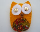 Felt owl brooch with sequin eyes, handsewn - yellow