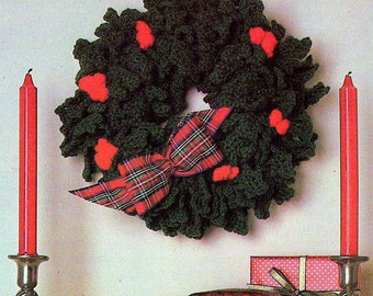 INSTANT DOWNLOAD PDF Vintage Crochet Pattern   Christmas Holly Wreath Decoration