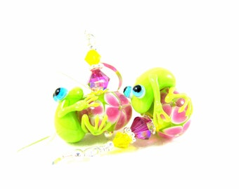Frog Earrings, Green Pink Yellow Earrings, Frog Jewelry, Lampwork Earrings, Glass Earrings, Animal Earrings, Animal Jewelry - Hip Hop