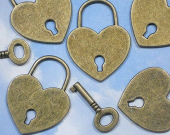 10 Sets 40mm Big Heart Lock & Skeleton Key Bronze Charm Pendants (P365 -10)