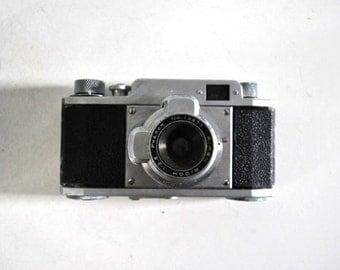 50s Vintage Riken Ricolet 35 MM Film Rangefinder Camera Bell Silver Chrome Cool Design
