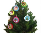 Christmas Diorama Ball  Holiday WREATH Ornament Pdf Email Knit PATTERN