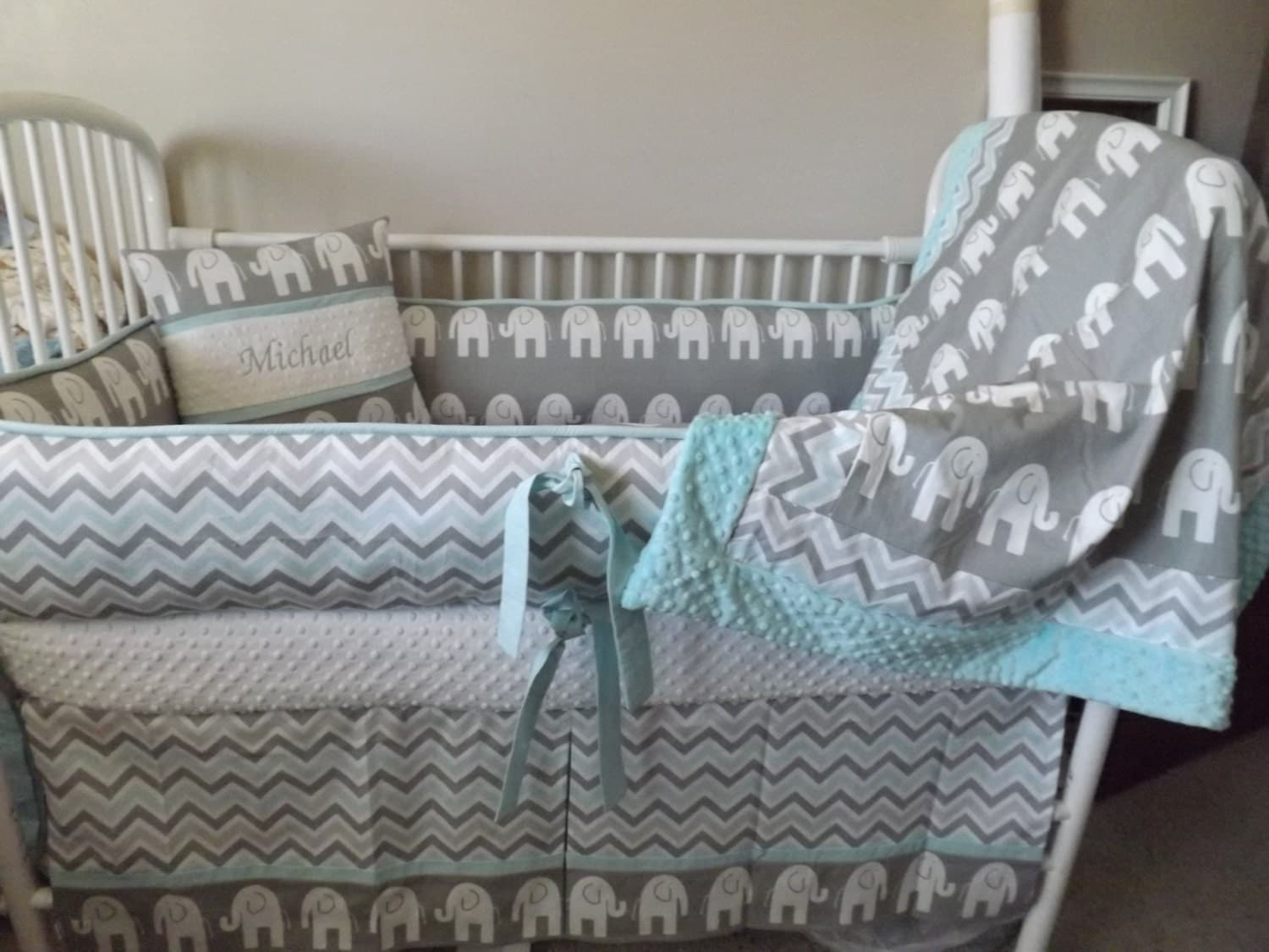elephant and giraffe crib bedding