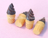 Lot of 12 Resin Ice Cream Cone Cabochon...Button...N102