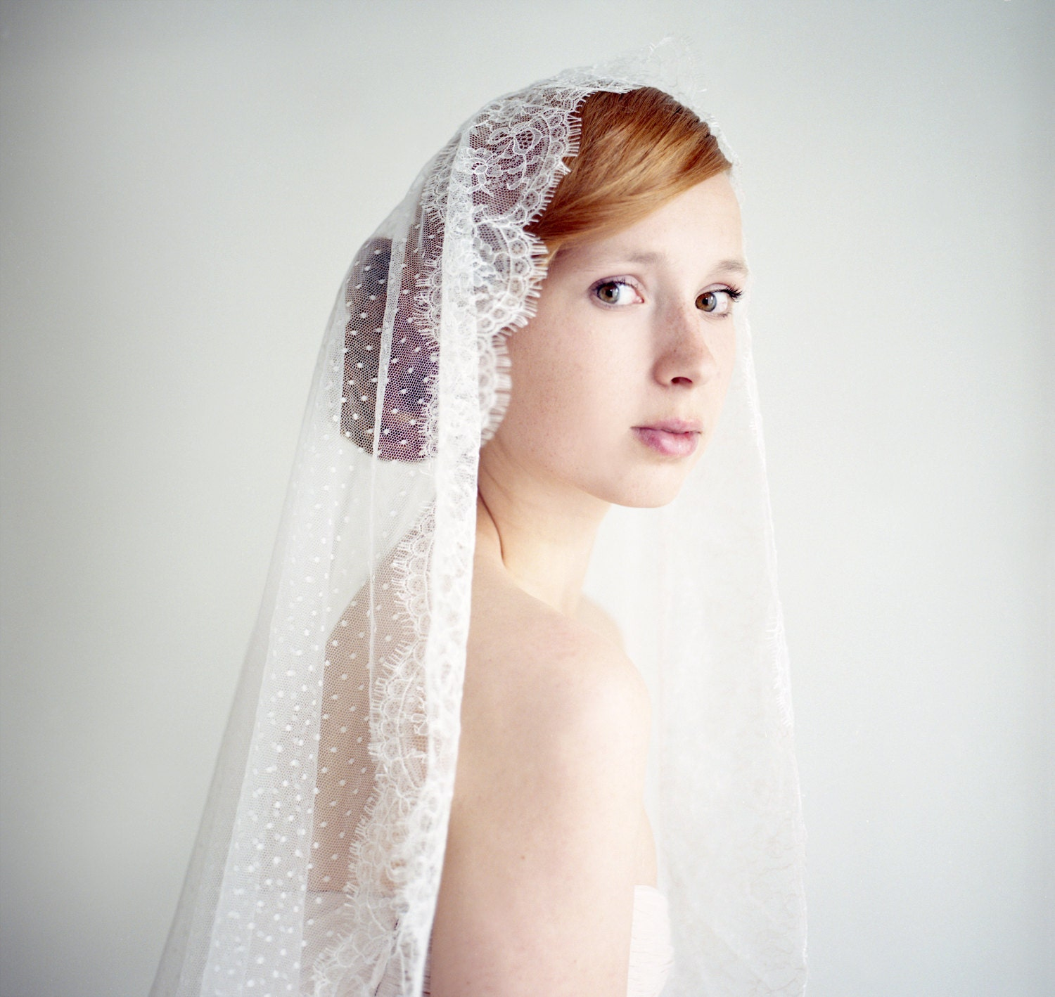Types of Wedding Veils - Mantilla veils