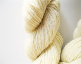 Natural Winter white wool - Green Mountain Spinnery - Mountain Mohair - Edelweiss - knitting wool - worsted weight - cream wool