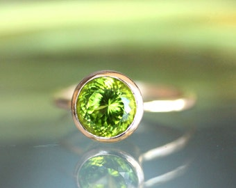 Peridot 14K Gold Engagement Ring, Gemstone Ring, Stacking RIng, Protuguese Cut - Made to Order