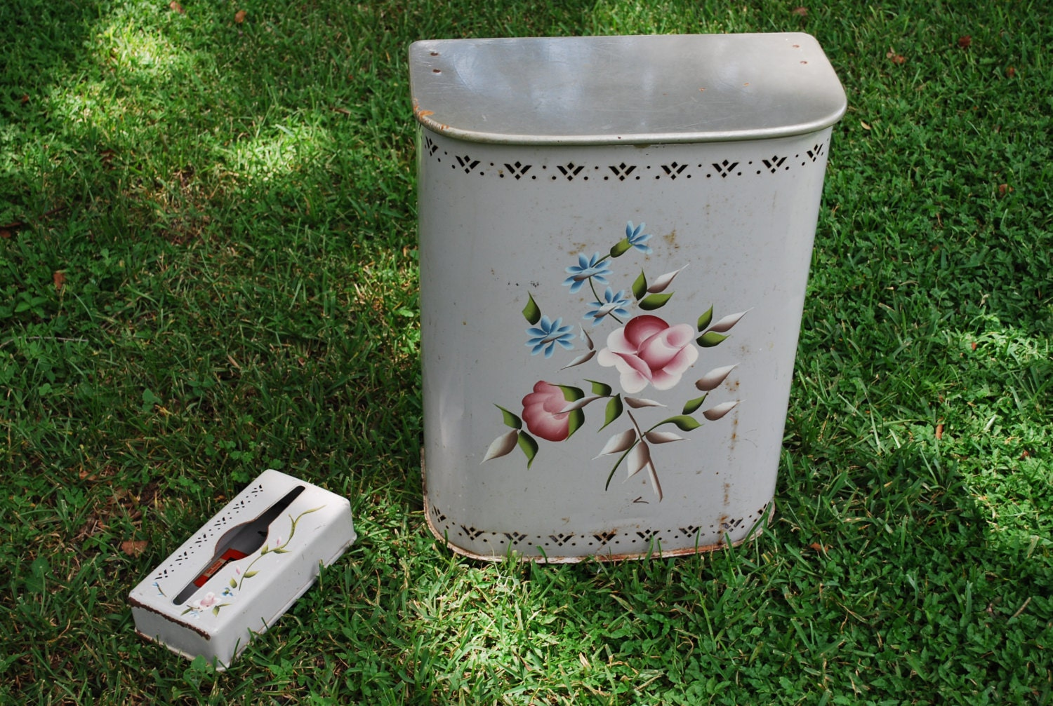 Vintage DETECTO Tole Painted Laundry Hamper And By