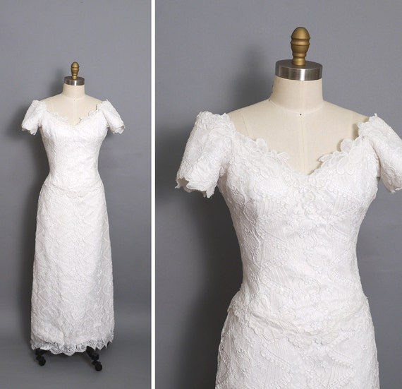 French chantilly lace wedding dress  Off shoulder Sweet Heart mermaid