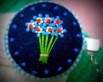 Blue Flower Sweater Clips w Blue Stitch