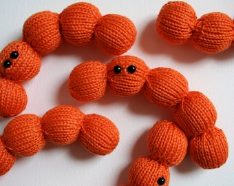 Knit your own Streptococcus Chain (pdf knitting pattern)