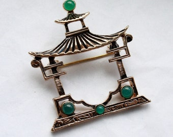 Vintage 1960s Asian Temple with Jade Colored Beads Brooch // Marlene Dietrich Shanghai Express Style