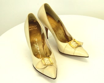 1950s stiletto heels, high heels, bone color heels, buckle accent, all leather, custom made, couture shoes, Size 7