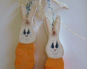 Cute Carrot Bunnies Wall Hanging