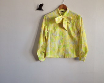 yellow long sleeve blouse size med