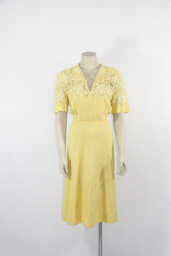1930s Vintage Dress - XL Butter Yellow Cut Work Day Dress - 42 / 32 / 44
