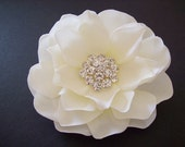 BRIDAL HAIR FLOWER -------- Bridal Hair Accessory - Bridal Headpiece - Bridal Hairpiece - Wedding Accessory -  Ivory Hair Flower