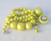 Jewelry Set Lime Green Necklace and Earrings Beads Vintage