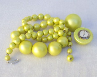 Jewelry Set Lime Green Necklace and Post Earrings Vintage