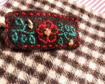 Barrette Embroidery kit in Portuguese woven felted wool, burel, Craft Kit, make your barrette, eco craft jewelry, Girlfriend Christmas gift