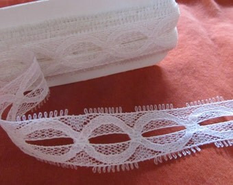 IVORY OVAL LACE 1 inch wide  -- (118 inches - just under 3 1/4 yards)