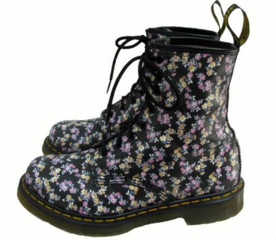 Simple  Martens Women39s 1460 Victorian Flowers  Shoes Shoe And Doc Martens