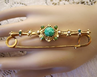 Vintage Gold Tone Metal Green Glass Stone Brooch/Pin