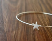 Starfish skinny bangle bracelet / silver skinny bracelet / shiny silver summer bangle / handmade /