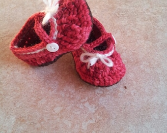 Pink baby shoes -  pink baby girl shoes - crochet baby shoes - baby shoes - baby girl shoes - newborn shoes