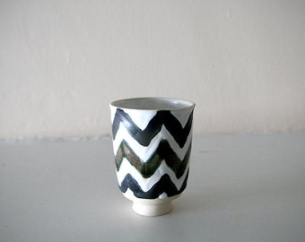 "Stoneware Cup with Chevron Design in White, Gunmetal and Forest Green / Wheel Thrown / ""CHEVRON 01"""