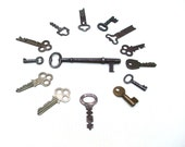 Antique keys 14 skeleton old keys supply steampunk jewelry supply metal key lot