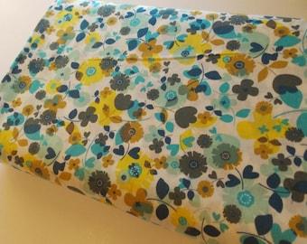 Robert Kaufman Kitchy Kitchen aqua small flower fabric poplin
