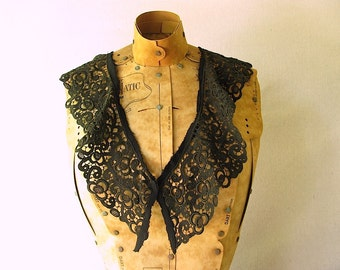 Vintage Lace Collar - black lace collar
